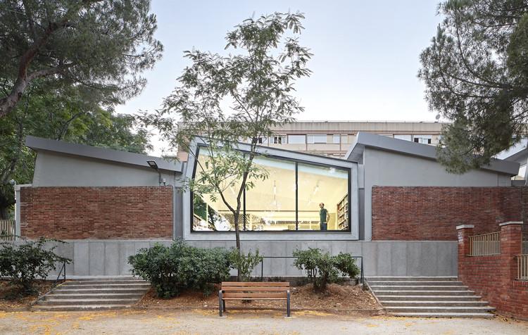 Rehabilitación de la Biblioteca Montbau / OliverasBoix Arquitectes, © José Hevia