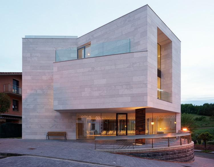 Centro polivalente de Aroma  / Vidaurre & Prieto arquitectos, © Jorge Allende