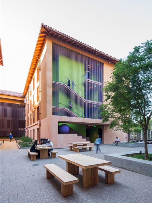 Residencias Highland Hall en Stanford University  / LEGORRETA