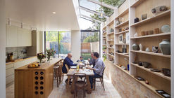 Casa Galeria / Neil Dusheiko Architects