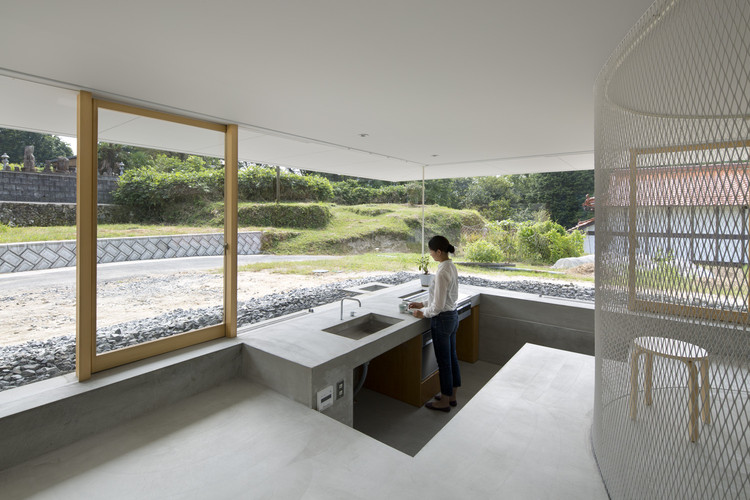 "Makoto Tanijiri on Architectural Education and ""Japanese-ness"" in Design, <a href='http://www.archdaily.com/779568/hiroshima-hut-suppose-design-office'>Hiroshima Hut</a>. Image © Toshiyuki Yano"