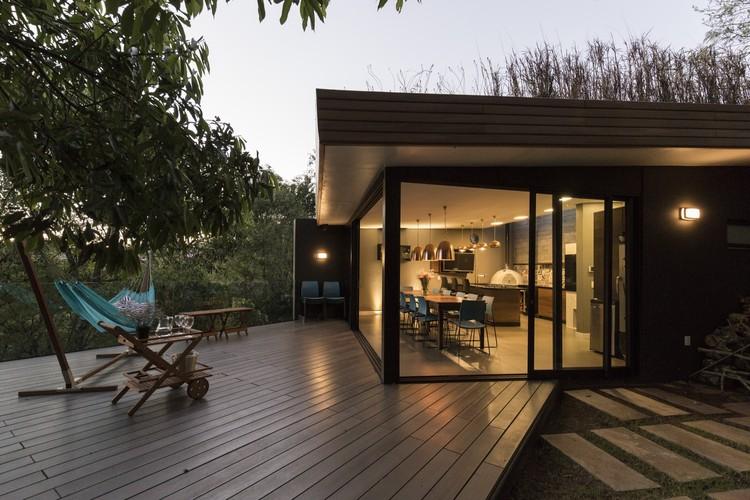 Casa Villaggio / Sacha Zanin, © Marcelo Donadussi