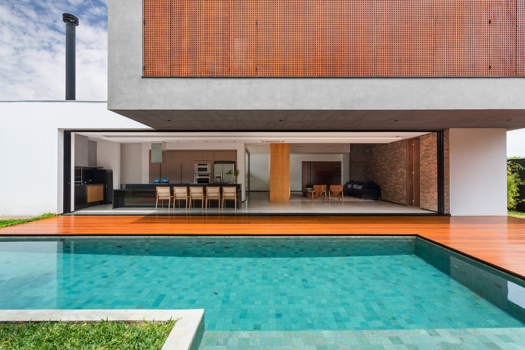 Residencia ACT  / CF Arquitetura, © Renan Klippel