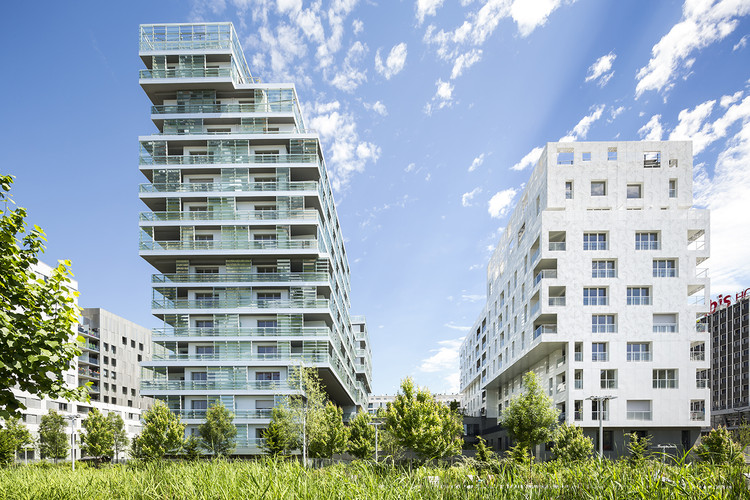 145 unidades de vivienda + FAM + PMI / Avenier Cornejo Architectes + Gausa Raveau Actarquitectura, © Sergio Grazia