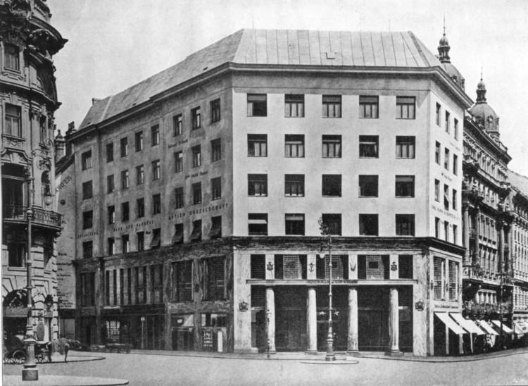 Adolf Loos: entre o silêncio e o resgate, Almacenes Goldmand & Salatsch en Michaelerplatz de Adolf Loos. Image via Wikipedia / Domínio público