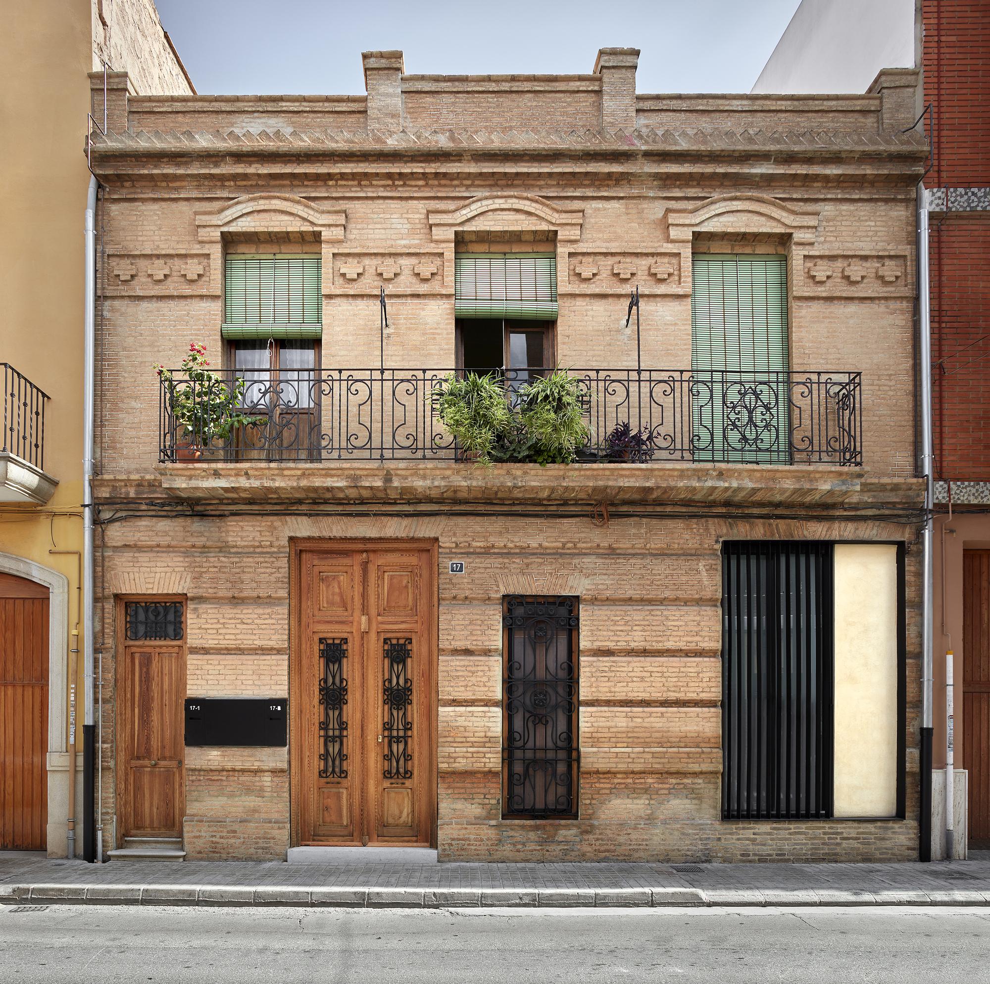 House Rehabilitation in Valencia / DG Arquitecto Valencia