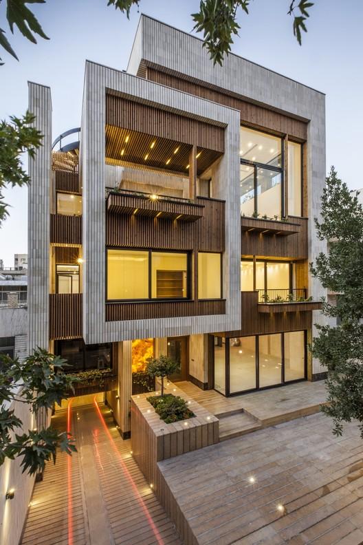 Residência Mehrabad / Sarsayeh Architectural Office, © Farshid Nasrabadi