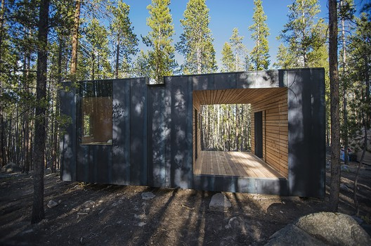 COBS Year-Round Micro Cabins / Colorado Building Workshop