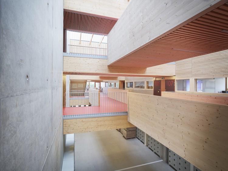 School Jean-Monnet / Dietrich | Untertrifaller Architects + CDA Architectes, © Julien Lanoo