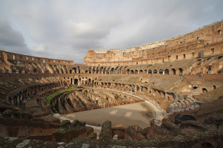 Coherencia entre arquitectura y política desde Roma hasta Medellín, Interior del Coliseo romano. Image © daisy.r [Flickr], bajo licencia CC BY-NC-ND 2.0