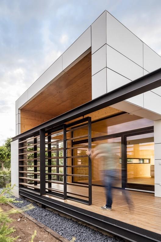 Vivienda de bajo consumo energético / Fontdevila Casajuana Arquitectes