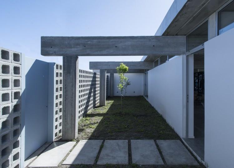 House RR  / Rivero Rolny Arquitectos, © Manuel Agustin Valerio Landivar