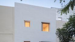 Tabares de Cala  House / Alejandro Beautell
