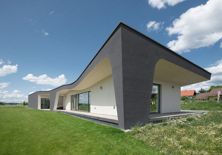 House with Winery / ATX Architekti, © Ester Havlová