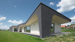 House with Winery / ATX Architekti
