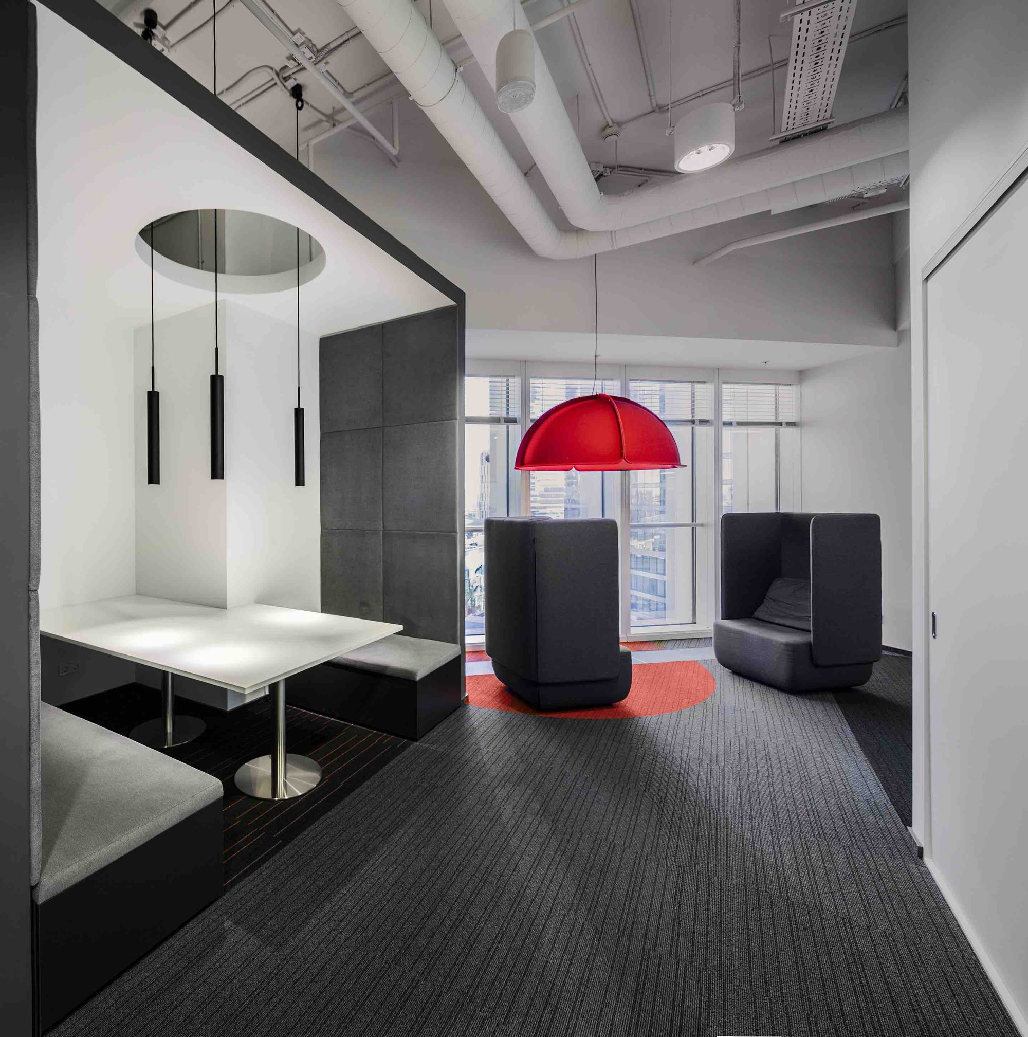 Orange Business Services Office / T+T Architects