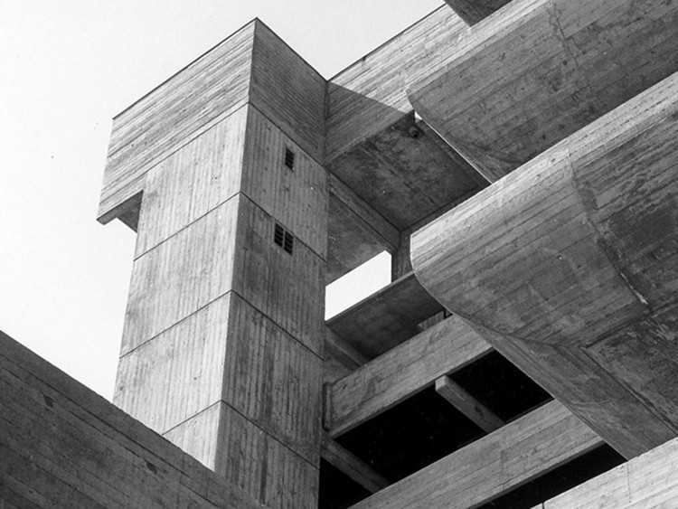 ¿Cuán ecológicamente perjudicial es el concreto?, Tricorn Shopping Centre, Portsmouth, 1965. Créditos: RIBA Library Photographs Collection