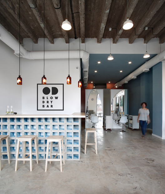 OD Blow Dry Bar  / snkh studio, © Sona Manukyan & Ani Avagyan