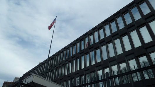 US Embassy in Oslo. Designed by Eero Saarinen. Image © Flickr user A.Curell. Licensed under CC BY-NC 2.0