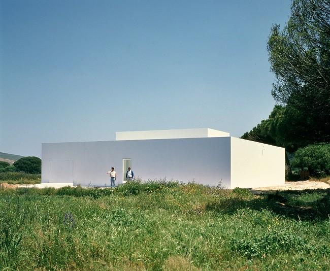 Quer construir uma casa boa, bonita e barata? Contrate um arquiteto. A experiência de Alberto Campo Baeza, Casa Gaspar. Image © Hisao Suzuki
