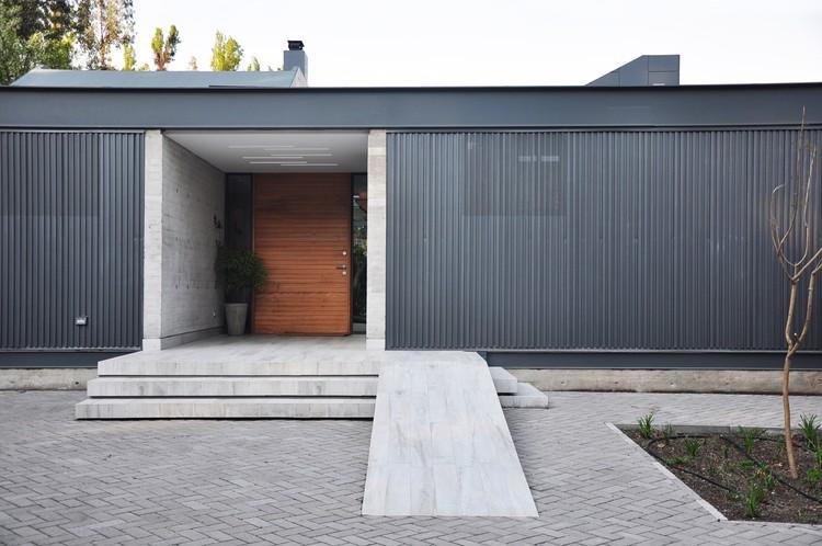 DSC House / Estudio Leyton, © Josefina Leyton