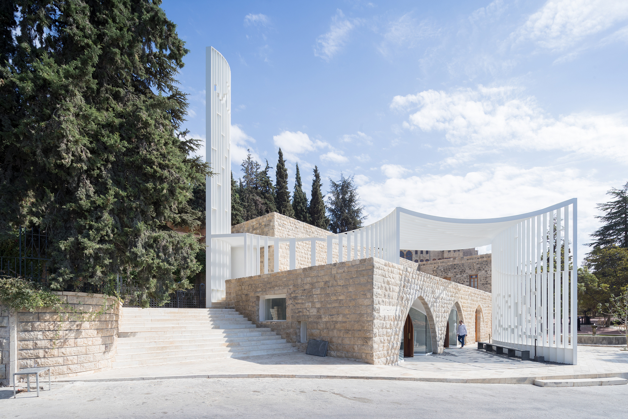Amir shakib arslan mosque l e ft architects archdaily for Modern house design lebanon