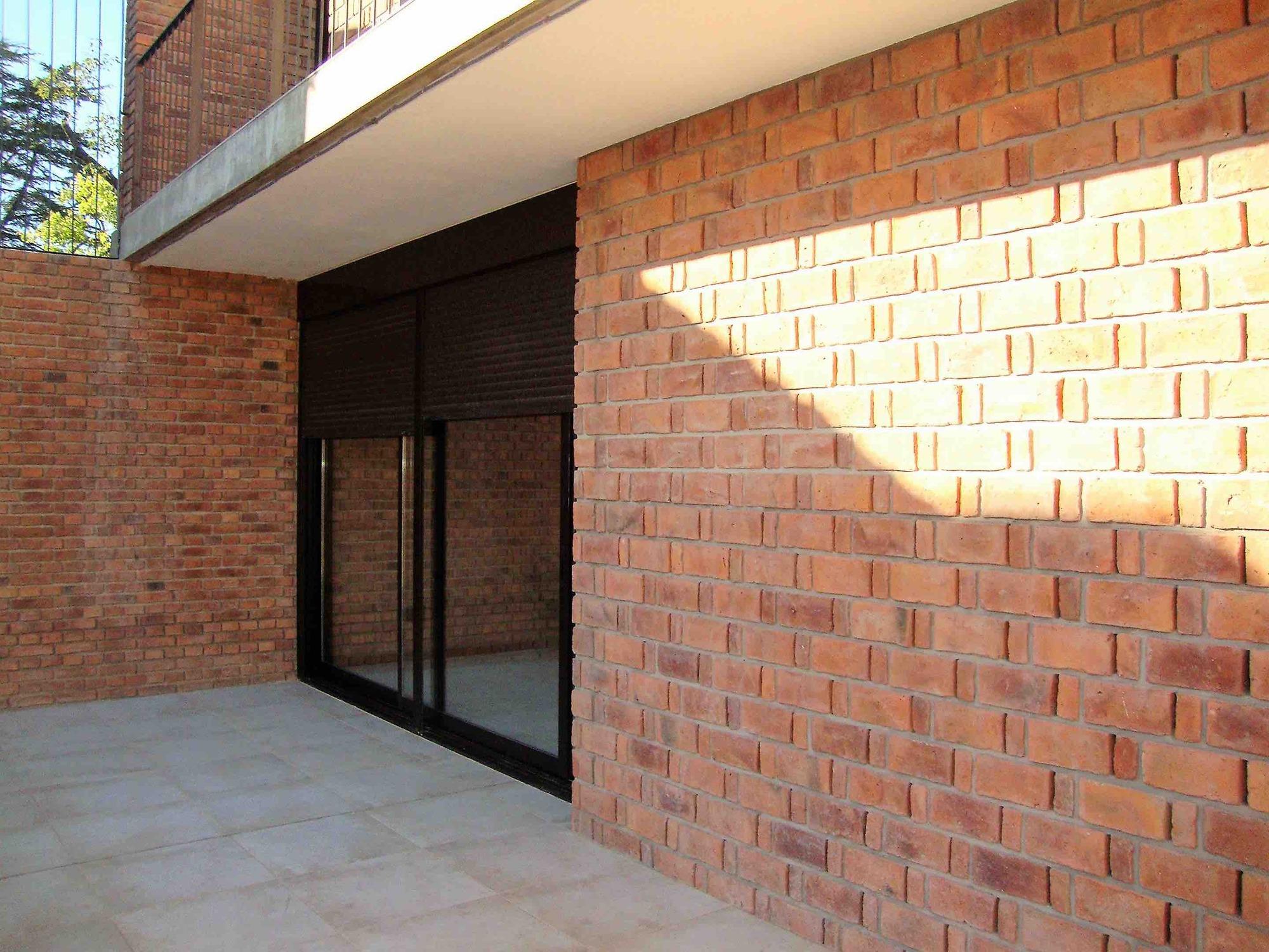 Gallery of casa de ladrillo paulo ambrosoni 11 Construir una pileta de ladrillos