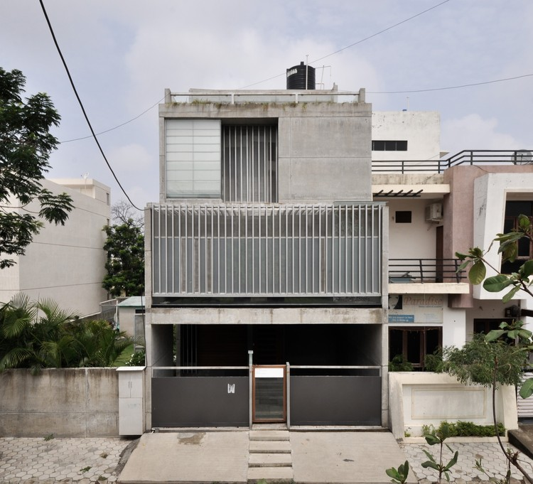 Residence S-91 / Design Buro Architects, ©  Aman Sonel