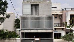 Residence S-91 / Design Buro Architects