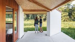 Casa a Tres Aguas / Arrokabe Arquitectos