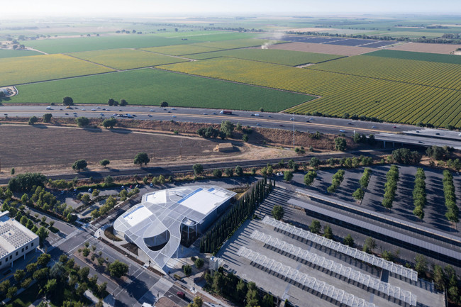 "Why ""Darling"" Architects Who Came Up Under Recession Are Doubling Down on Budget, The new Manetti Shrem Museum at the University of California, Davis. Image © Iwan Baan / SO-IL and Bohlin Cywinski Jackson"