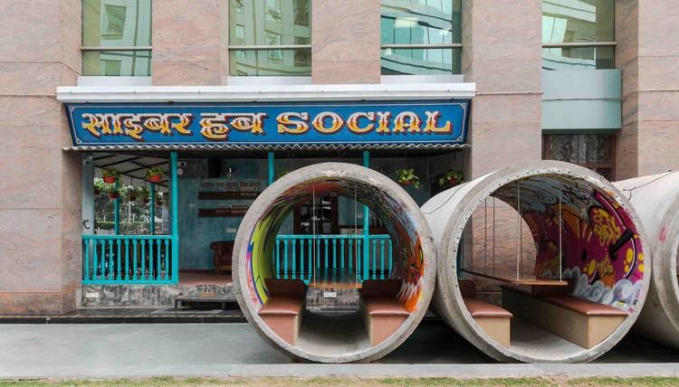 Cyber Hub Social / Chromed Design Studio, © Suryan // Dang