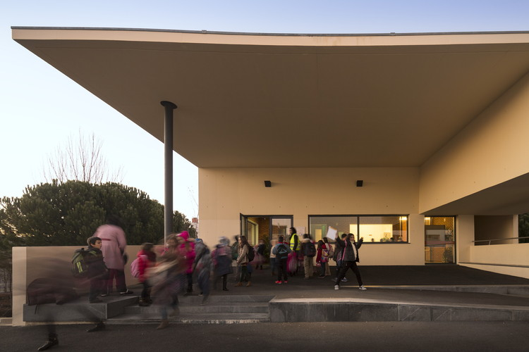 Primary School EB1 / Adalberto Dias, © Fernando Guerra |  FG+SG