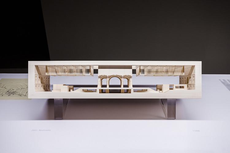 """Cruz y Ortiz: 'El proyecto de arquitectura no surge como idea brillante en un instante', Una de las maquetas exhibidas en """"Cruz y Ortiz 1/200 … 1/2000"""". Image Cortesía de Cruz y Ortiz Arquitectos"""
