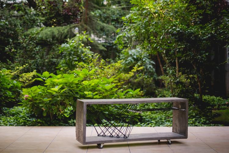 Pétreo 1, la belleza de lo sólido y lo perdurable en un mueble de hormigón, © Cristian Soza