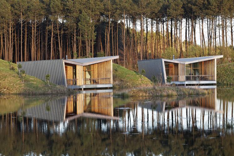 Eco-lodges_les Echasses / Patrick Arotcharen Architecte, © Vincent Monthiers