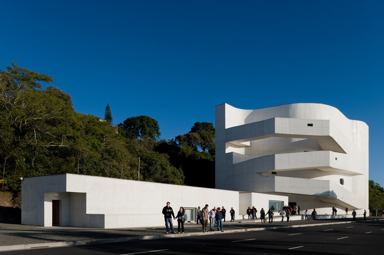 "Interview  with Álvaro Siza: ""Beauty Is the Peak of Functionality!"", Fundação Iberê Camargo. Image © Fernando Guerra 