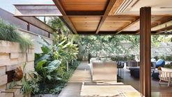 Bourgainvile 2 House / Solange Cálio Arquitetos
