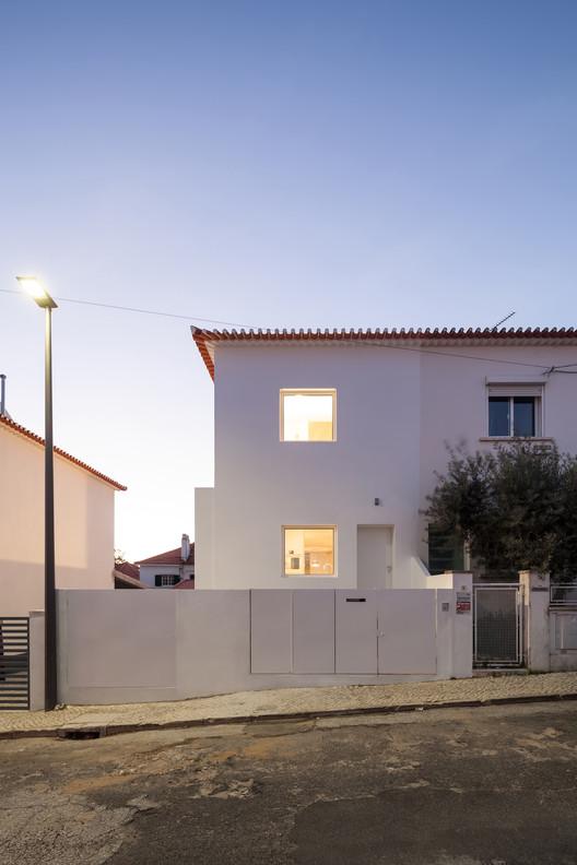Casa em Caselas / phdd arquitectos, © Francisco Nogueira