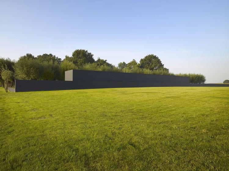 Deutscher Soldatenfriedhof Langemark / Govaert & Vanhoutte Architects, © Luc Dewaele