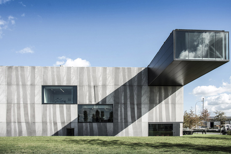 Sede Enjoy Concrete / Govaert & Vanhoutte Architects, © Tim Van De Velde