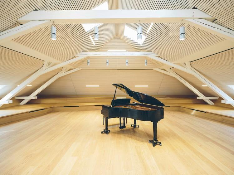 Kindergarten, Sports Hall and Music School  / Schenker Salvi Weber Architekten, © Bengt Stiller