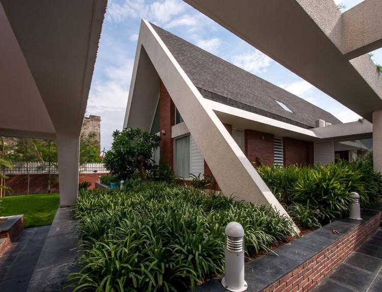 La Casa APEX / Design Buro Architects, © Aman Sonel