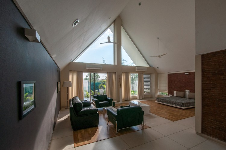 The apex house design buro architects archdaily for Buro architectes