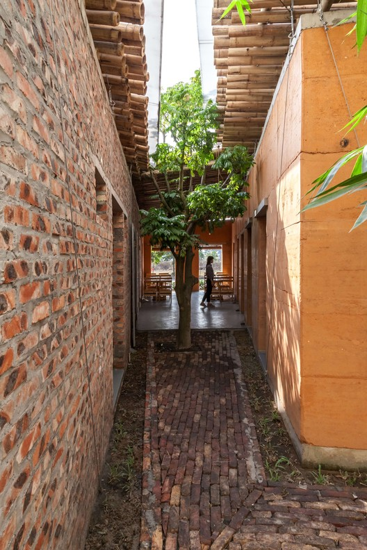 Espacio acogedor BE / H&P Architects, © Doan Thanh Ha