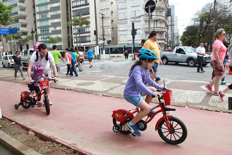 Bike Kids alcança 2,6 mil cadastros em apenas três meses de operação em Santos, Bike Kids Santos. Image © Susan Hortas, via Prefeitura de Santos