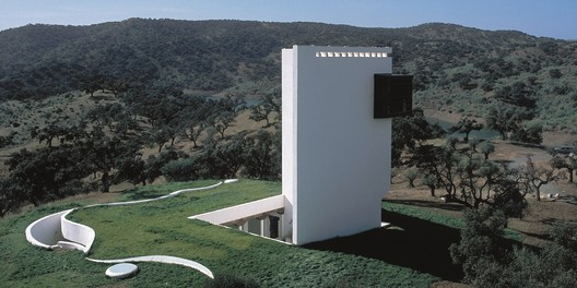Casa de Retiro Espiritual. Image Courtesy of Emilio Ambasz