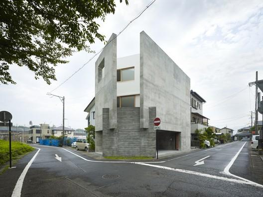 Casa en Shimokawahara / KOIZUMISEKKEI