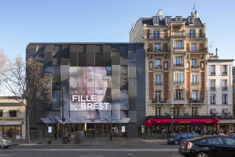 ecran geant media facade - cinema Alesia