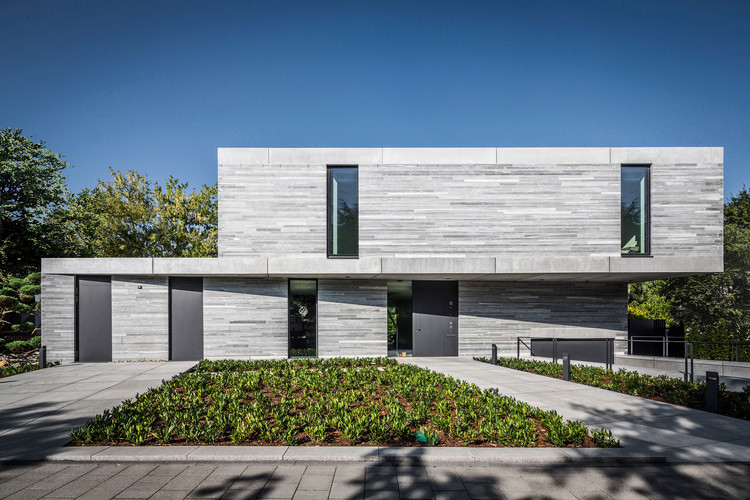 Residência Cologne Hahnwald  / Corneille Uedingslohmann Architekten, © Michael Neuhaus